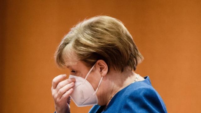 След първата доза AstraZeneca – сложиха на Меркел втора доза Moderna