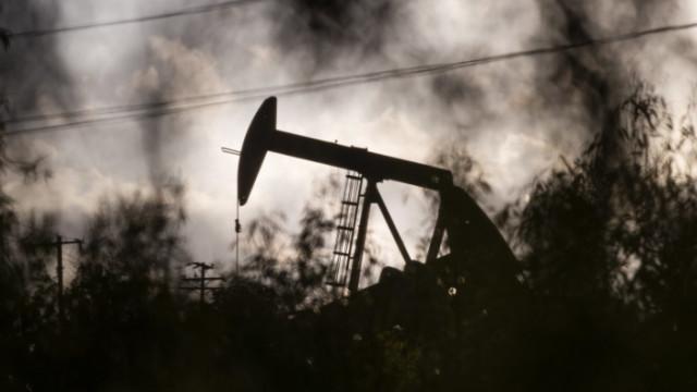 Прогноза: Петрол от 130 долара за барел не е нещо немислимо в близко бъдеще