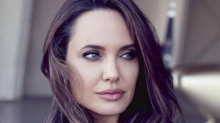 От 20 години насам носителката на Оскар - Анджелина Джоли,