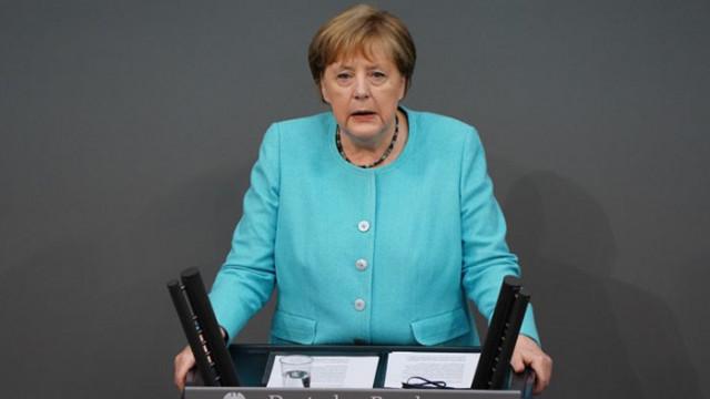 Меркел: ЕС трябва да търси пряк контакт с Путин