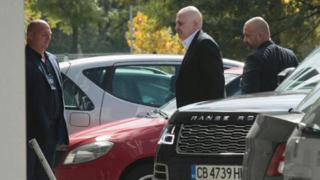 """Мрежата към Трифонов: Слави, кажи нещо за Спецов и фонд """"Земеделие"""""""