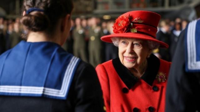 Кралица Елизабет II ще въвежда етническо многообразие в двореца