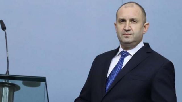 """Бобоков писал на секретаря на Радев: """"Ако прецениш че мога да звънна на началника, дай знак?"""""""