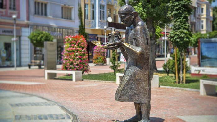 "Откриват фотоизложба ""Виж Варна"" на входа на Морската градина"