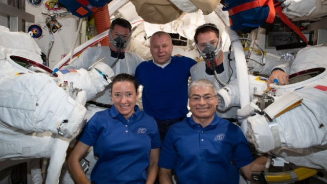 Как поддържат чисто облеклоот си астронавтите на Международната космическа станция