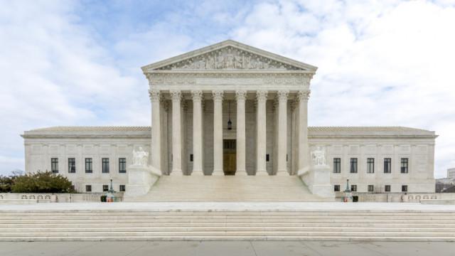 Дълбоко разделеният Върховен съд на САЩ отмени ограниченията за аборт в Луизиана