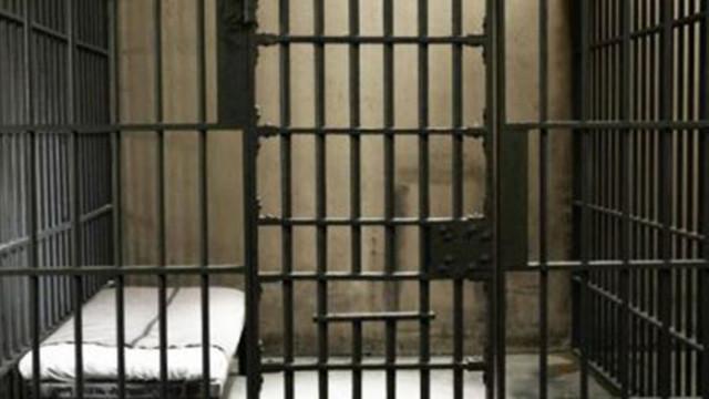 20 години строг затвор за баща, изнасилил дъщеря си