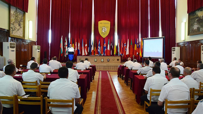 Повишиха във военно звание и назначиха на нови длъжности офицери и старшини ОТ ВМС