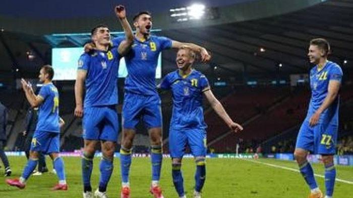 Украйна победи с 2:1 Швеция в последен 1/8-финал на Евро
