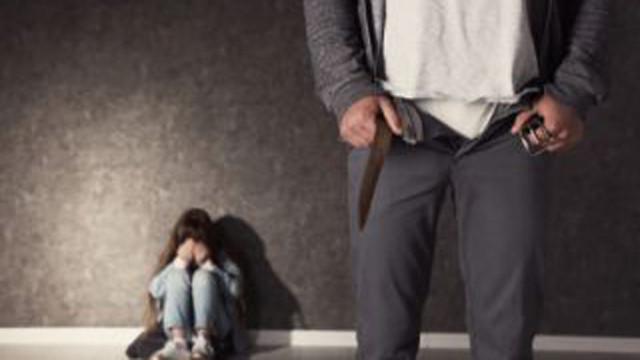 20 години затвор за баща, отвлякъл, блудствал и изнасилил дъщеря си