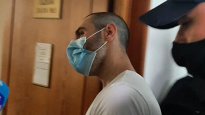 Иван, който едва не закла ученичка в Бургас, не може да говори, търсят лекар