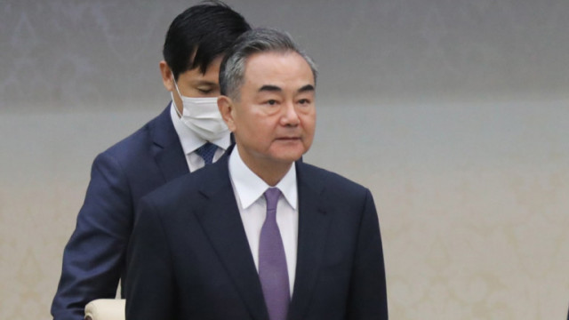 """Китай зове държавите да изградят """"Велика стена на имунитета"""" срещу коронавируса"""