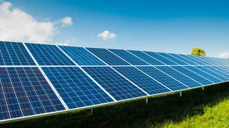 Как Китай изпревари САЩ и се превърна в глобален лидер при слънчевите панели?