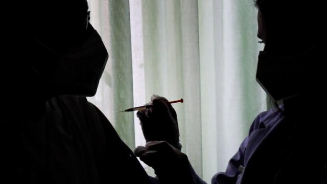 Д-р Чавдар Ботев: Хората трябва да бъдат стимулирани да се ваксинират срещу коронавирус