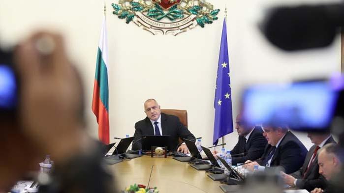 Борисов отрече да е бил в болница в неделя заради кръвно