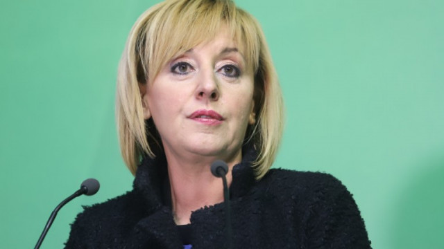 Мая Манолова очаква торнадо от гладни бунтове наесен