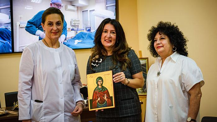"""Посланикът на САЩ посети УМБАЛ """"Св. Марина""""- Варна"""