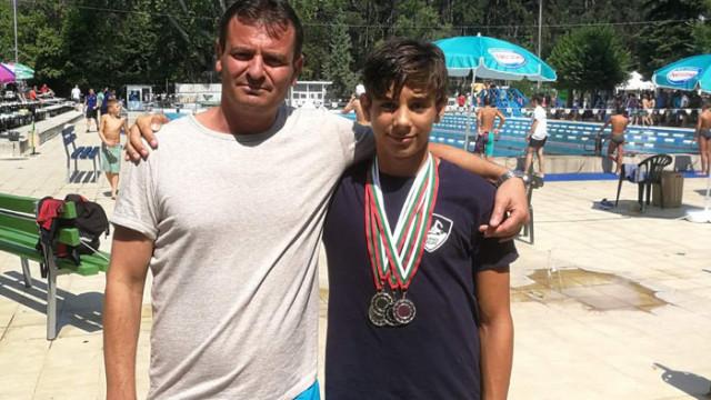"""Иван Лозанов с 4 медала за ПСК """"Черно море"""" на държавното по плуване при децата"""