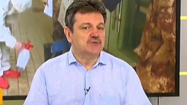 Д-р Симидчиев към феновете: Не се срещайте с възрастните си родители, поне 2 седмици след мача
