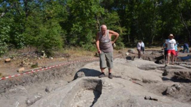 Епископска гробница откриха археолози на Перперикон
