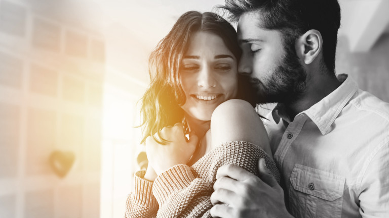 Влюбването, приятелството, връзките и мит ли е любовта от пръв поглед