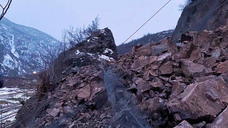 Започва укрепване на свлачището при 72-ри км на първокласния път