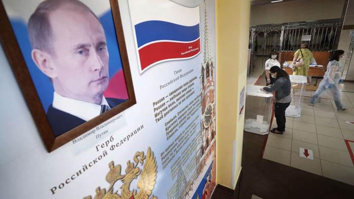 Путин завинаги: 77,93% от руснаците подкрепиха президентът да може да остане на власт до 2036