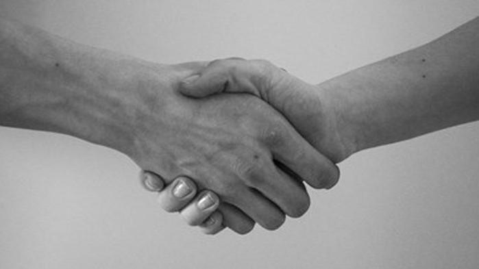 ARD: Спортист може умишлено да бъде заразен с допинг с ръкостискане и прегръдка