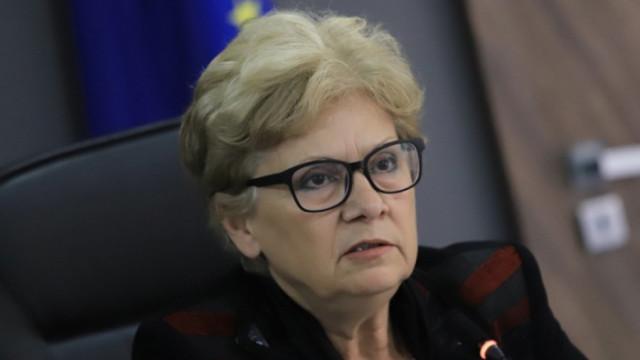 Комитова: Няма законово основание Детската болница да бъде построена в този вид