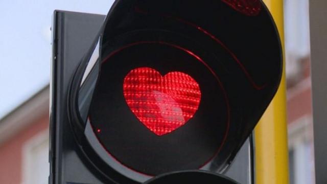 Жена мина 49 пъти на червено, за да отмъсти на мъжа си