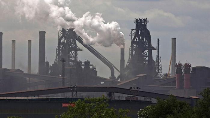 МАЕ: Глобалните въглеродни емисии ще ударят рекорд през 2023 г.