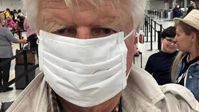 Бащата на Борис Джонсън наруши правилата, отиде в Гърция през България