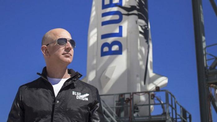 Най-богатият човек в света Джеф Безос излита в Космоса (НА ЖИВО)