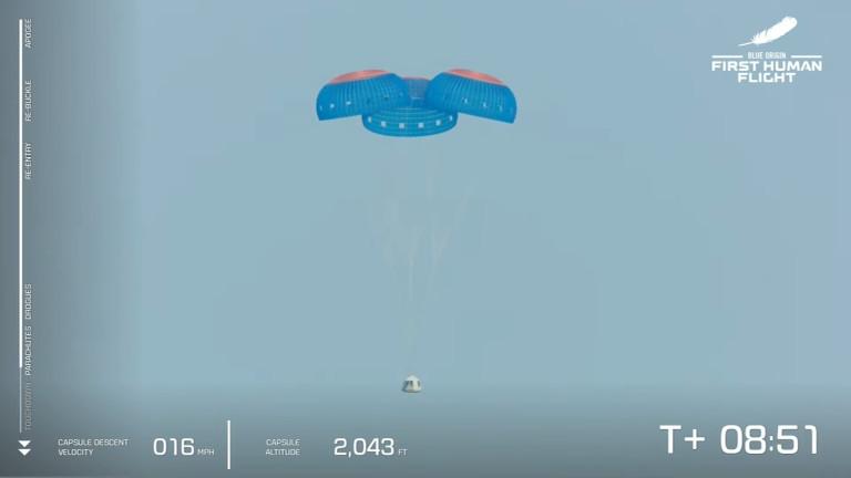 Безос извърши първия си успешен полет до Космоса с компанията Blue Origin