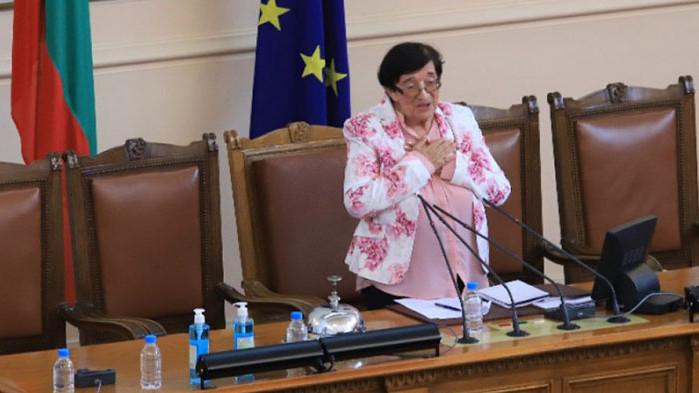 Зайкова за Николай Василев: Никой не ни е питал, имахме програма и изведнъж той идва с един пасквил