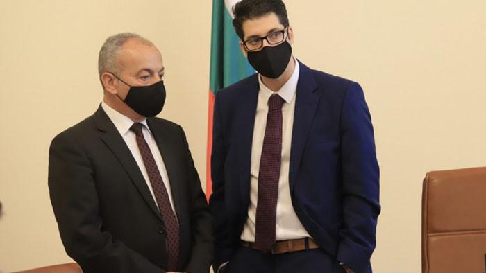 Пеканов склонил да остави парите за софийското метро, но спрял проектите за канализация