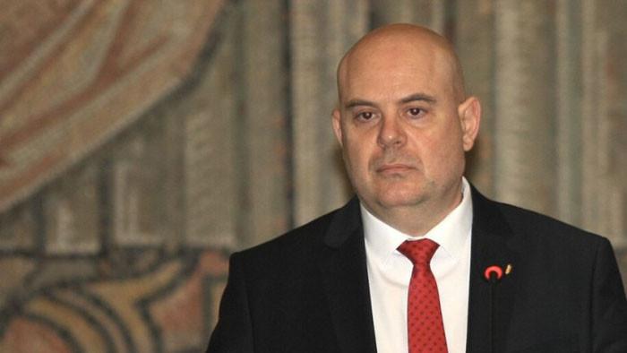 ВСС остави без разглеждане искането на Стоилов за отстраняване на Гешев