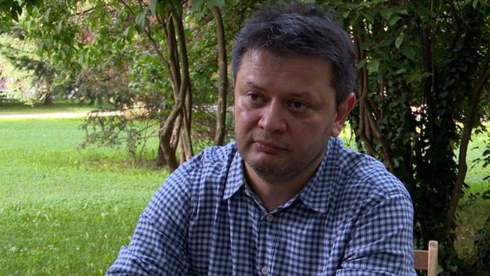 """Авторът на """"Осемте джуджета"""" срещу Трифонов"""