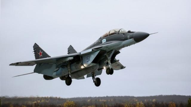 Индия купува от Русия 33 изтребителя МиГ-29 и Су-30 за 2,4 млрд. долара