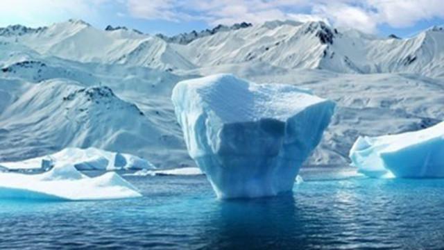 Студен фронт от Антарктика донесе сняг и студ в Южна Африка