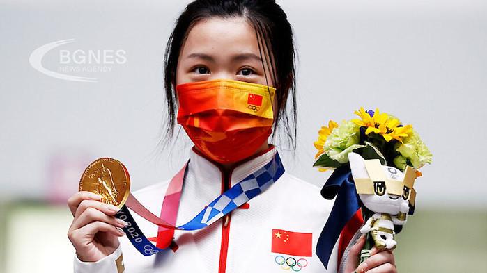 Китайка грабна първия златен медал на Токио 2020