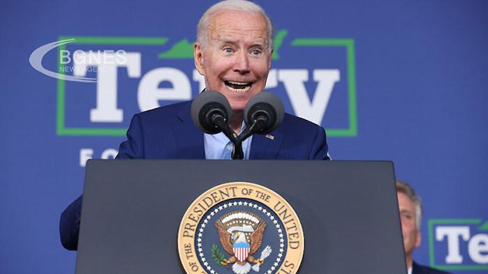 Одобрението на американския президент Джо Байдън спадна до 50% за