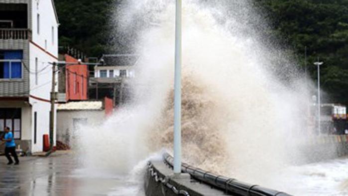 Китай повиши степента на тревога заради приближаващия тайфун Инфа