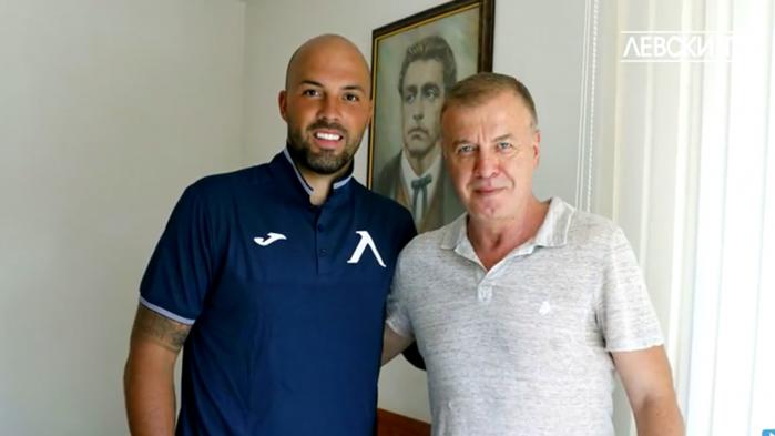 Официално! Николай Михайлов подписа договор с Левски
