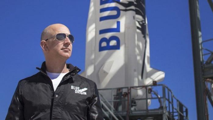 Безос дава 2 млрд. долара на НАСА за мисия до Луната