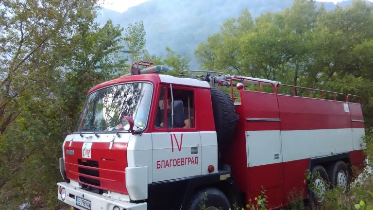 Големият горски пожар над Твърдица се разраства
