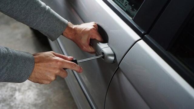 27-годишен бе осъден за кражба на вещи от паркиран автомобил пред МОЛ-Варна