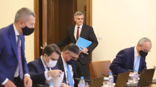 Премиерът Янев призова ИТН да състави коалиция