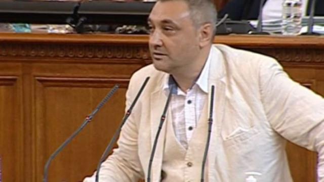 Андрей Чорбанов от ИТН от парламентарната трибуна: Явно, че ваксините не работят толкова добре
