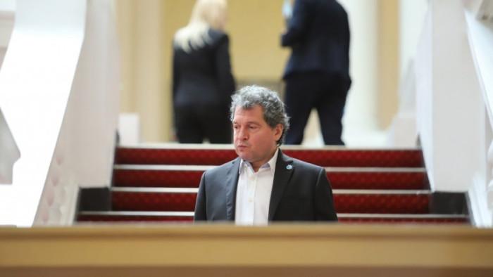 Тошко Йорданов дава списък на Кацаров, твърди че ваксините причиняват инсулт